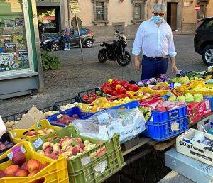 Umberto Fusco (Lega) al mercato di San Faustino