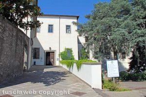 Viterbo - Unitus - L'ingresso principale di Santa Maria in Gradi
