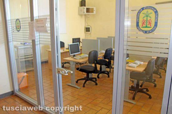 Viterbo - Unitus - Santa Maria in Gradi - La stanza con i computer