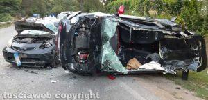 Scontro tra tre auto sulla Cassia, un ferito grave