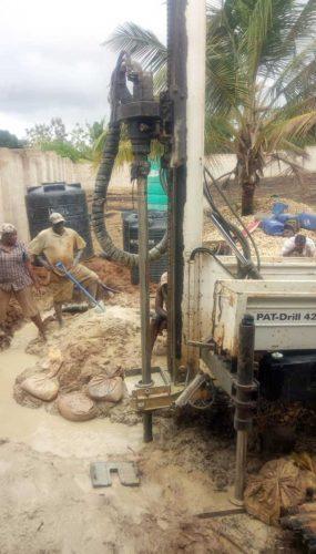 Realizzazione di un pozzo in Tanzania
