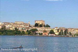 Capodimonte - Il lago di Bolsena visto dalla canoa