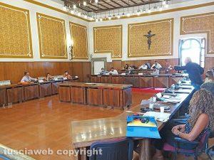 Montefiascone - Il consiglio comunale - Scontro tra maggioranza e opposizione nella seduta di sabato 8 agosto
