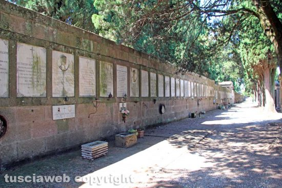 Viterbo - La Spoon River del cimitero San Lazzaro