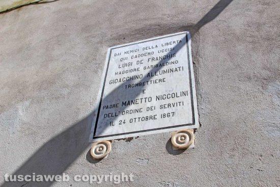 Viterbo - L'epigrafe in ricordo dei garibaldini uccisi a Porta della Verità