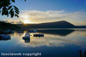Un tramonto sul lago di Vico