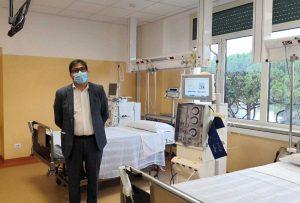 L'assessore Alessio D'Amato al centro dialisi del Cto