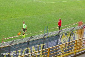 Sport - Calcio - Viterbese - I lavori alle panchine del Rocchi