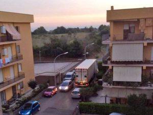Montalto di Castro - Mezzo pesante su via Ombrone