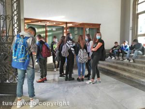 Viterbo - Primo giorno di scuola al istituto Paolo Savi