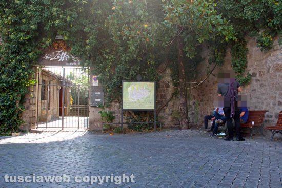 Viterbo - I cavi elettrici in piazza San Carluccio - 10 ottobre