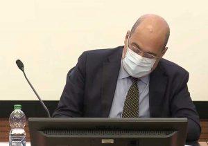Mascherina obbligatoria - Il presidente Zingaretti firma l'ordinanza