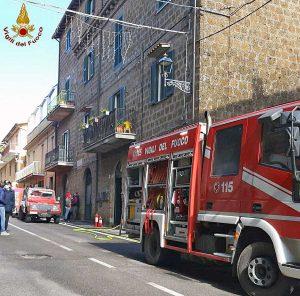 Vejano - Appartamento in fiamme, muore giovane