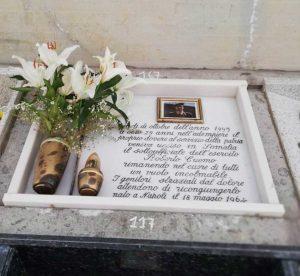 Civitavecchia - La tomba di Roberto Cuomo