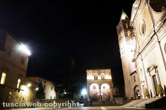 Viterbo - Il secondo coprifuoco - Piazza San Lorenzo
