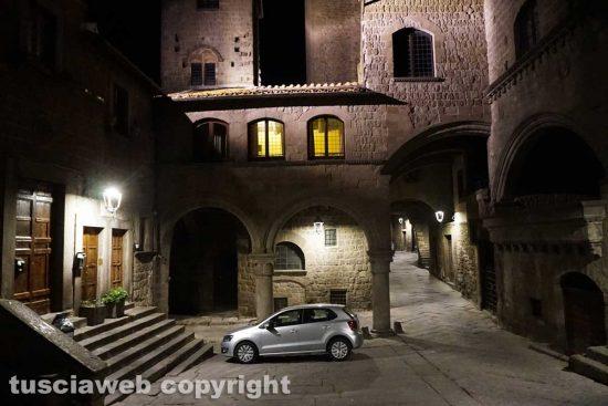 Viterbo - Il secondo coprifuoco - Piazza San Pellegrino