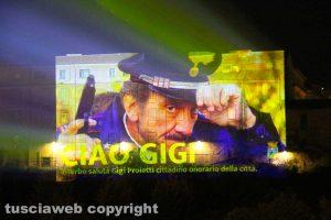 Viterbo - La proiezione di Gigi Proietti al Palazzo Papale