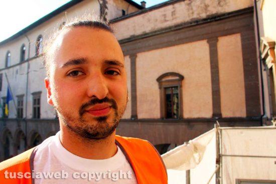 Viterbo - Il restauratore Cristian Pedone