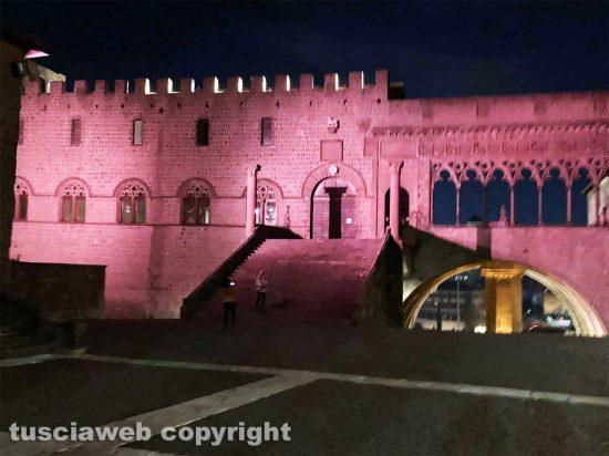 Viterbo - L'illuminazione di palazzo dei papi