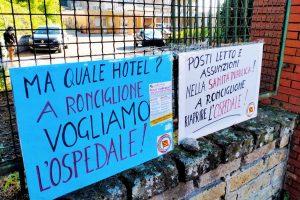 Ronciglione - La protesta di Rifondazione comunista davanti all'ospedale