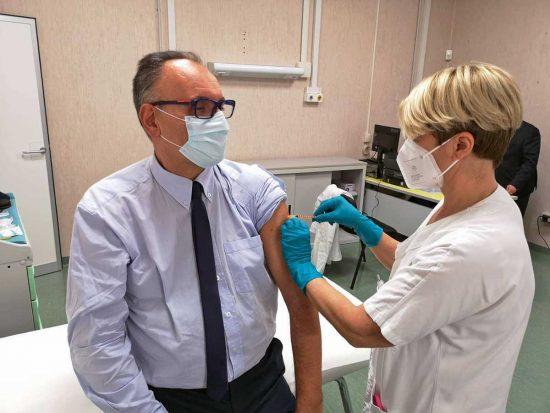 Coronavirus - La vaccinazione di Giuseppe Cimarello