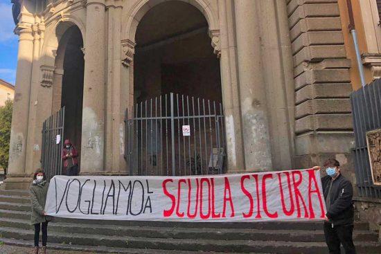 Viterbo - La manifestazione della Rete degli studenti medi