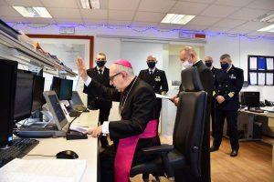 Civitavecchia - Il vescovo Ruzza benedice il porto