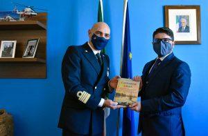 Il neopresidente dell'Autorità di Sistema portuale del Mar Tirreno centro settentrionale Pino Musolino e il comandante del porto di Civitavecchia Francesco Tomas