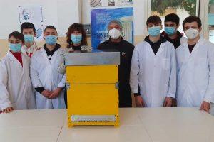 Tarquinia - Il progetto sull'apicoltura al Cardarelli
