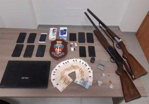 Sutri - Carabinieri - La droga, le armi e i soldi sequestrati