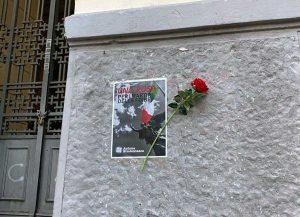 Una rosa davanti agli istituti superiori per ricordare le Foibe