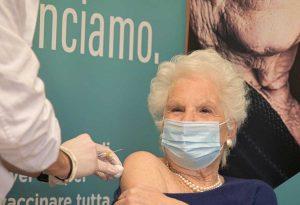 Liliana Segre vaccinata