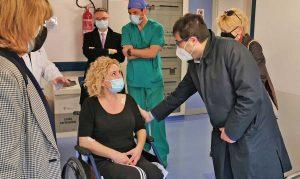 L'assessore D'Amato in visita all'infermiera investita ieri