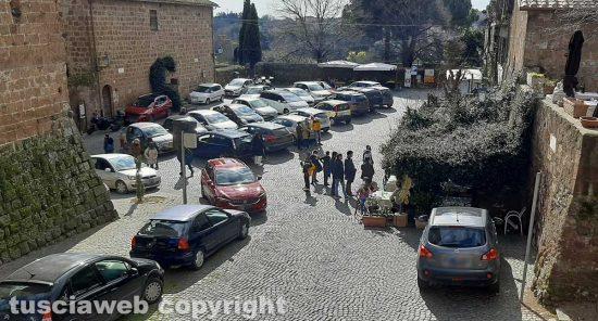 Tuscania - La situazione del parcheggio in largo Torre di Lavello
