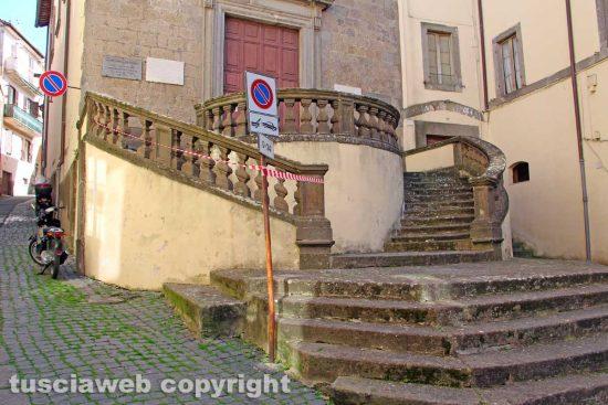 Viterbo - La scalinata della chiesa della Crocetta