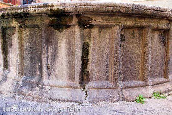 Viterbo - La fontana del miracolo di Santa Rosa in piazza della Crocetta