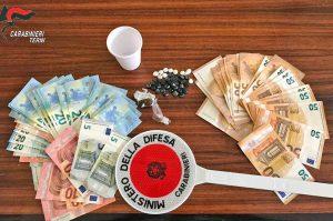 Terni - Carabinieri - La droga e i soldi sequestrati