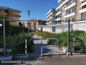 Viterbo - Strada pedonale tra via Monti Cimini e via Monte Bianco