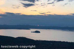 Montefiascone - Il lago di Bolsena al tramonto