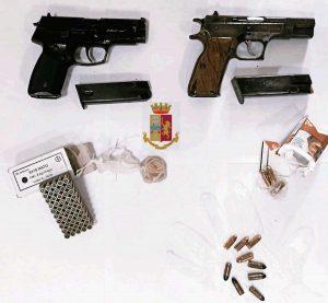 Napoli - Armi e munizioni sequestrate nei quartieri Spagnoli