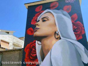 """Viterbo - Via Baracca - Il murales """"La tua Rosa"""" Santa Rosa"""