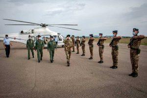 Viterbo - I sottocapi di stato maggiore di Esercito e Aeronautica in visita all'aeroporto